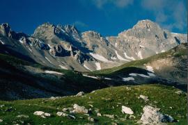 La Vallon de la Sachette, avec vue sur la Grande Tourne et les Rochers Rouges