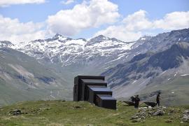 Vue de l'arrière de l'abri © Parc national de la Vanoise - Valérie Hagry