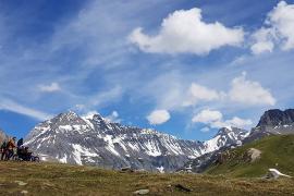 Randonnée partagée au cœur du Parc national de la Vanoise © Sylvain Berger - APF France Handicap